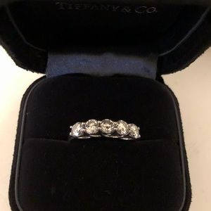 Jewelry - Diamond band ring